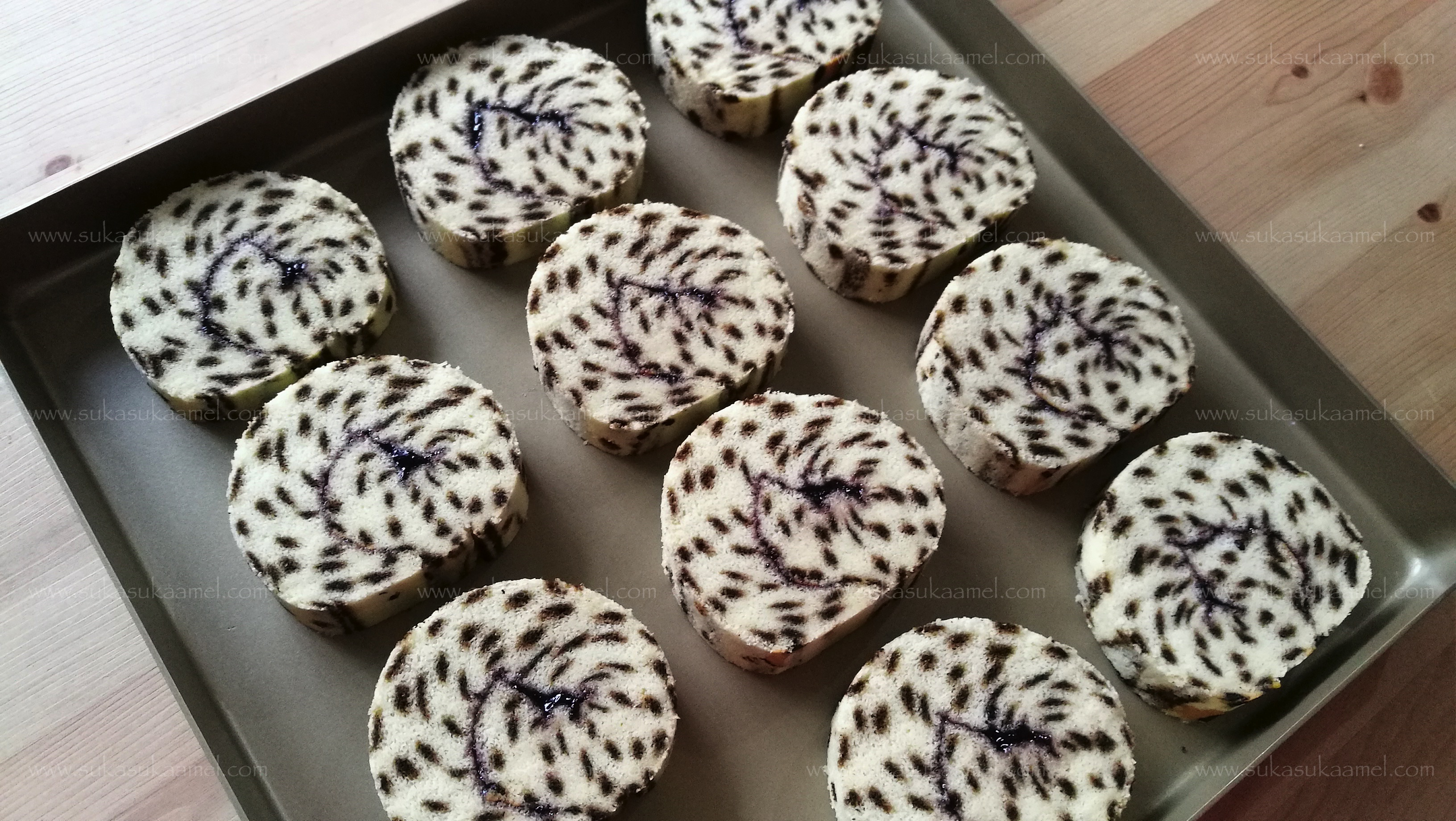 resep cheetah roll cake chocolate black forest